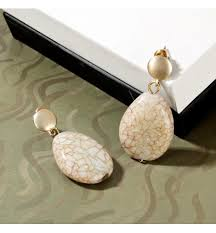 Trendy agate jewellery